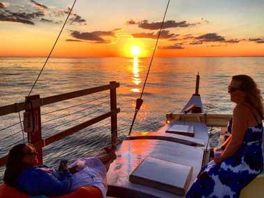 Montauk sunset cruise on catamaran Mon Tiki Largo
