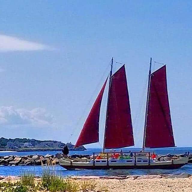 Mon Tiki Largo sailing out of Montauk Inlet