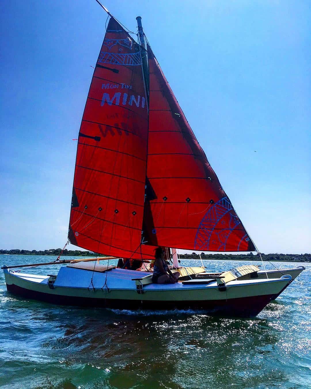 Mon Tiki Mini speeds across Lake Montauk